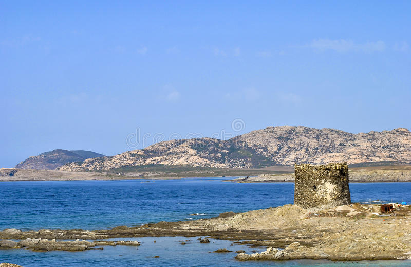 Zadziwiający widok sławna losu angeles Pelosa plaża, Sardinia, Włochy obrazy stock