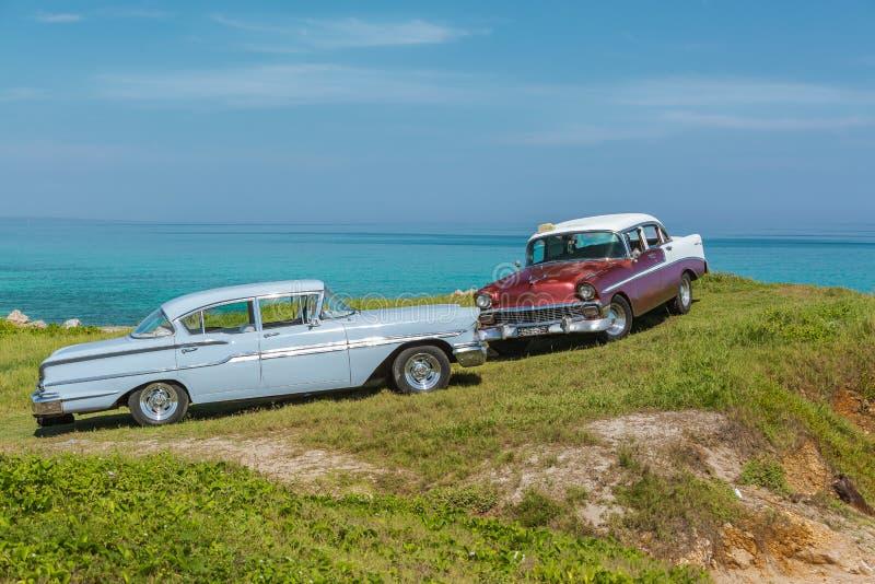 Zadziwiający widok starego rocznika klasyczni retro samochody obrazy royalty free