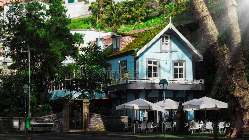 Zadziwiający zielony dom i architektura styl madera, Funchal obrazy stock