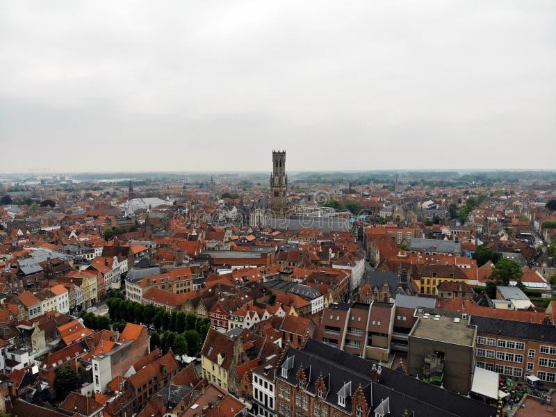 Zadziwiaj?cy widok z g?ry W ten sposób piękny i imponująco Brugge Średniowieczna historia wokoło ciebie Musi widzieć dla wszystki zdjęcia royalty free