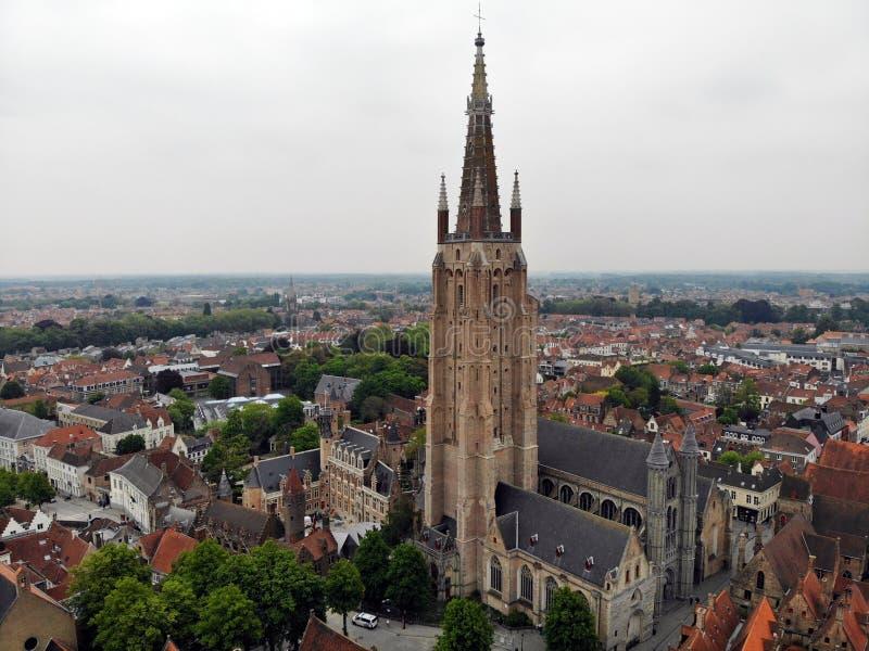 Zadziwiaj?cy widok z g?ry W ten sposób piękny i imponująco Brugge Średniowieczna historia wokoło ciebie Musi widzieć dla wszystki zdjęcie stock