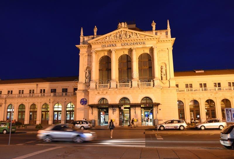 Zagreb, Croácia - 17 de agosto de 2017: Bui principal do estação de caminhos-de-ferro de Zagreb fotografia de stock royalty free