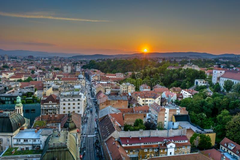 Zagreb Croatia - paisaje urbano de la visión aérea foto de archivo libre de regalías