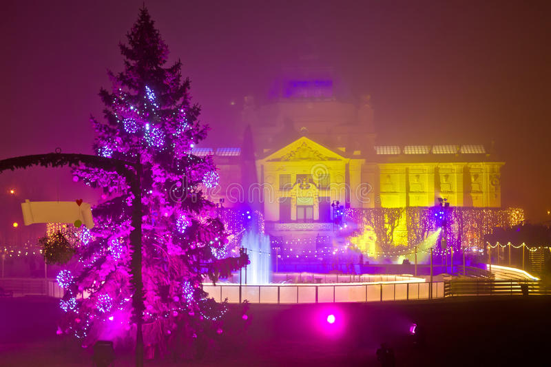 Zagreb die in Kerstmislichten mening gelijk maken stock afbeeldingen