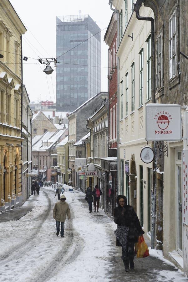 ZAGREB, KROATIË - 6 FEBRUARI, 2015: Radicevastraat in s wordt behandeld dat stock afbeelding
