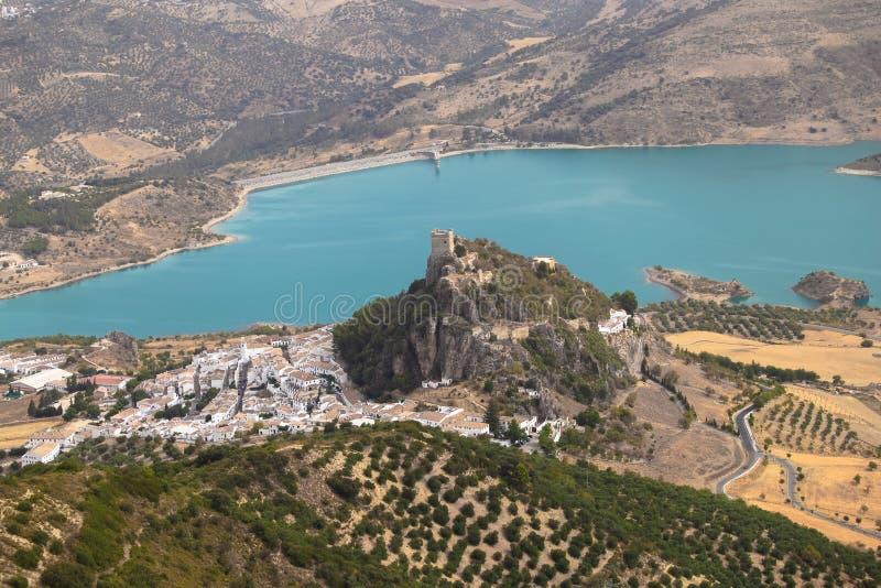 Zahara de la sierra castillo, diz del ¡de CÃ, AndalucÃa, España Opiniones del aire imagen de archivo libre de regalías