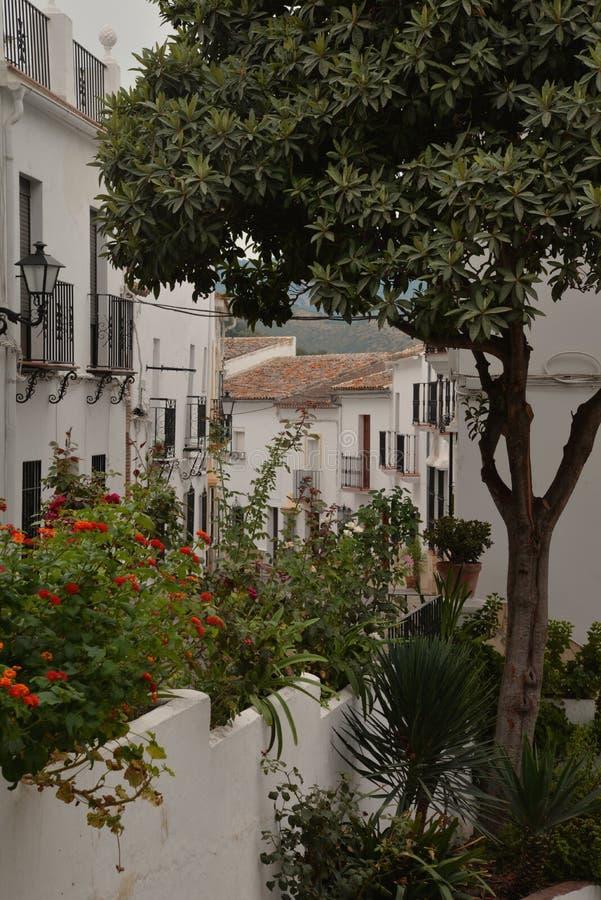 Zahara de la Sierra villaggio, Andalusia, Spagna fotografie stock libere da diritti
