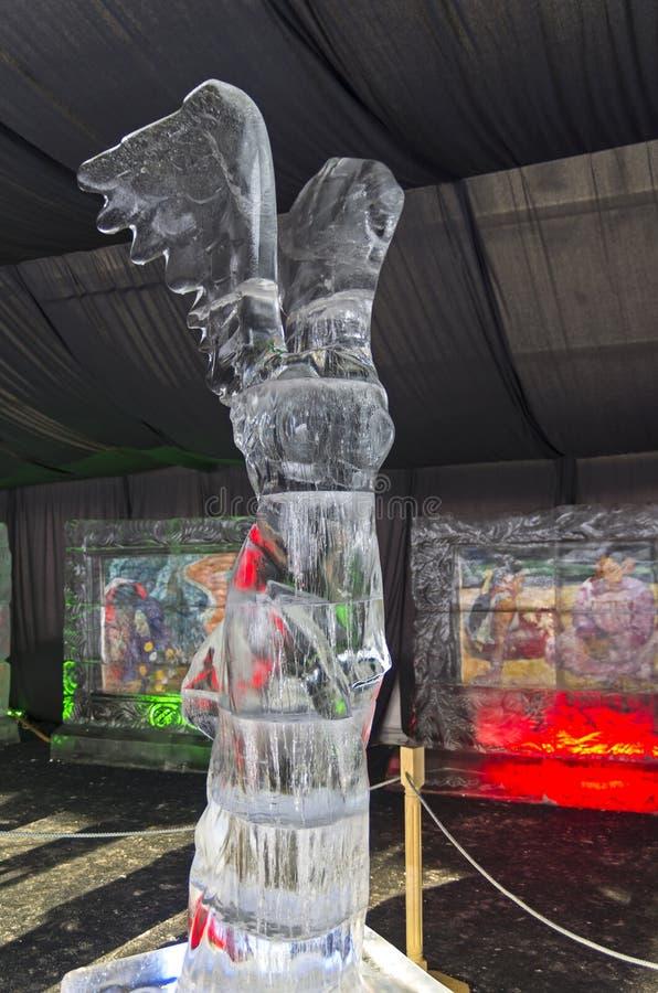 Zahl der griechischen Göttin Nike in der Ausstellung von Eisskulpturen stockfoto