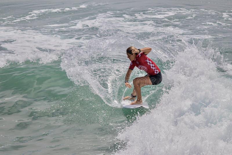 Zahli Kelly dans l'US Open de fourgons de surfer 2019 photo stock