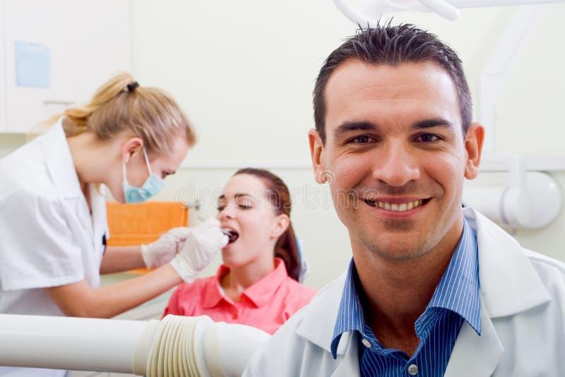 Zahnarzt lizenzfreie stockfotos