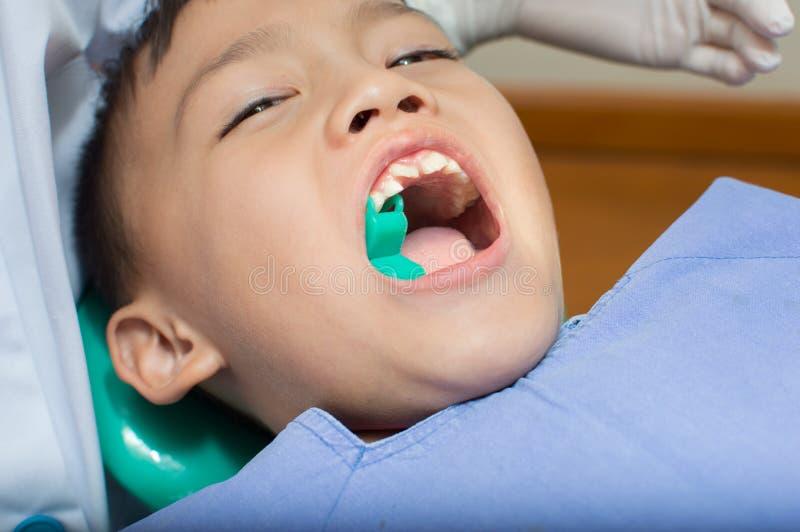 Zahnarzt lizenzfreies stockfoto