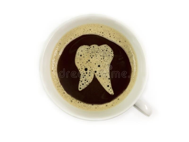 Zahnarzt bietet Kaffee an stockbilder