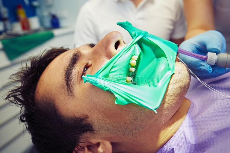 Zahnarztbüro lizenzfreie stockbilder