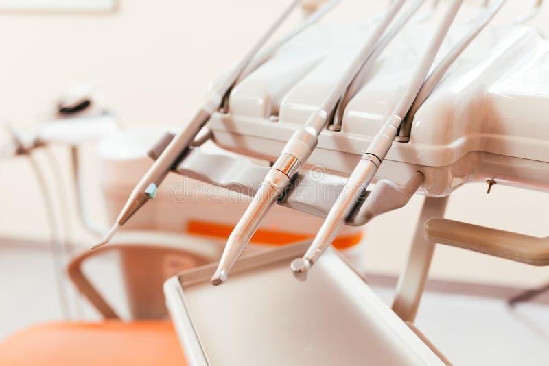 Zahnmedizinische Bohrgeräte stockbilder