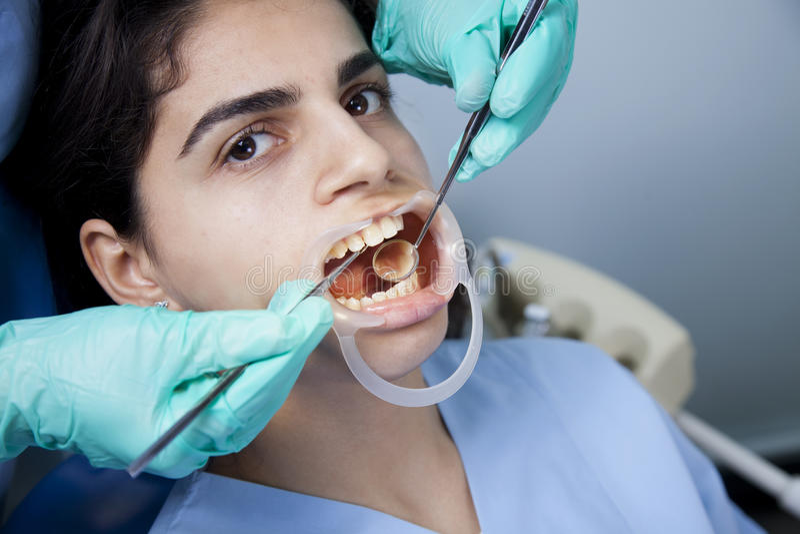 Zahnmedizinische Heilung lizenzfreies stockbild