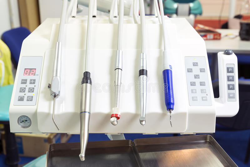 Zahnmedizinische Instrumente für Stomatologiepraxis lizenzfreie stockfotografie