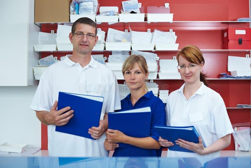Zahnmedizinische Laborgruppe stockfotos