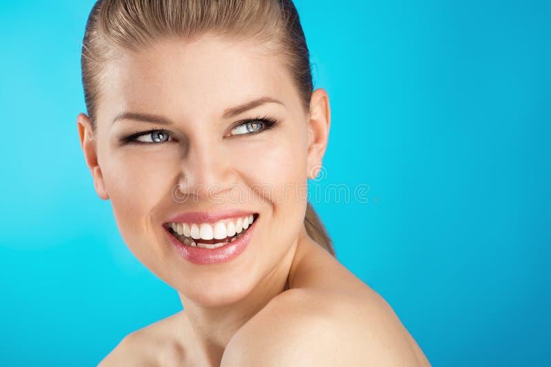Zahnpflege der Frau stockfotografie