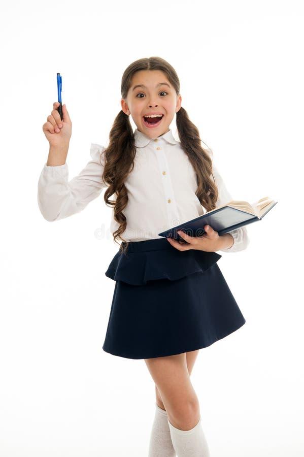 Zakłada out wokoło Dziecko mundurka szkolnego mądrze dzieciak szczęśliwy z pracą domową Dziecko dziewczyny szczęśliwy mundurek sz obrazy stock