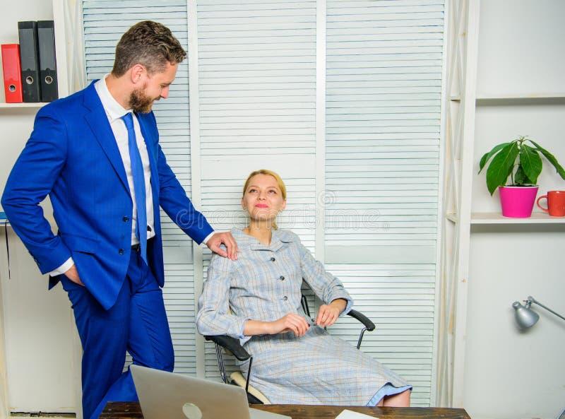 Zakazujący powiązania plciowa napastowanie praca Rozpoznaje pursuer Flirtowanie lub molestowanie seksualne rozpoznajemy i donosim fotografia royalty free