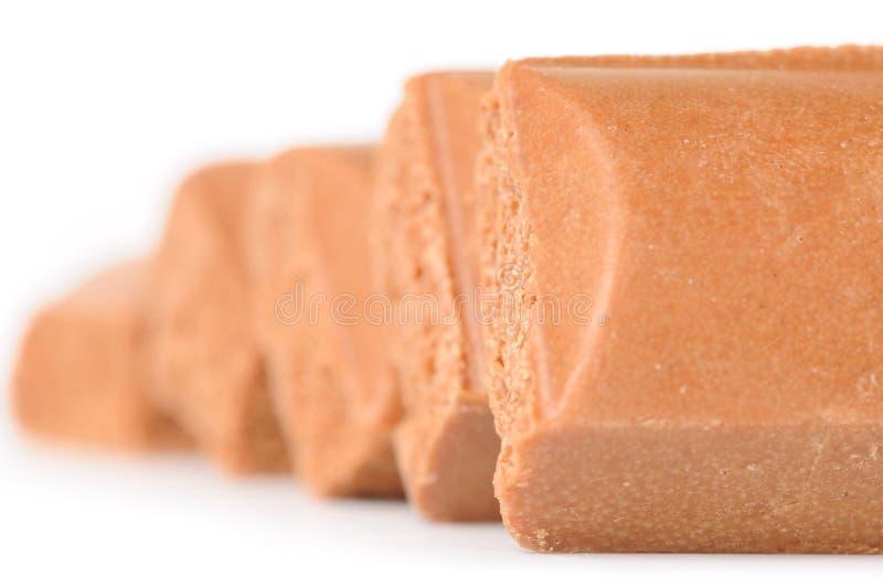 zakazuje czekoladowego porowatego rząd fotografia stock