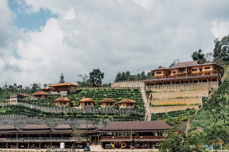 Zakazuje Raka Tajlandzkiego, wioska w mgle, Chińska ugoda w Mae Hong synu, Tajlandia obraz stock