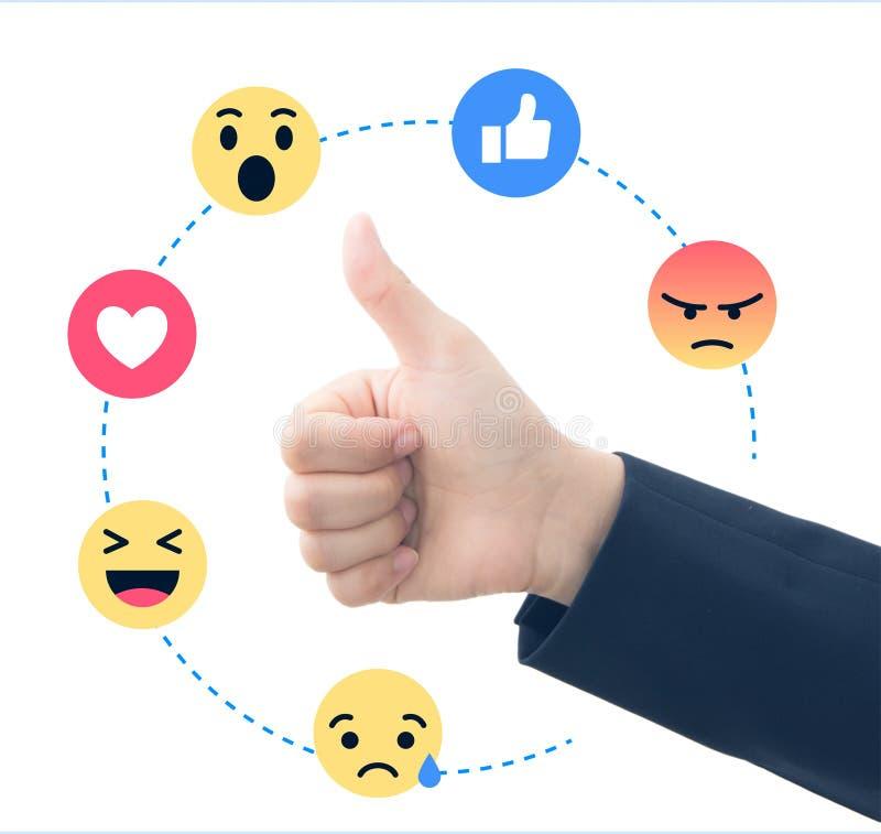 Zakelijke hand met sociale feedback stock afbeeldingen