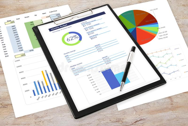 Zaken Analytics in het bureau royalty-vrije stock afbeelding