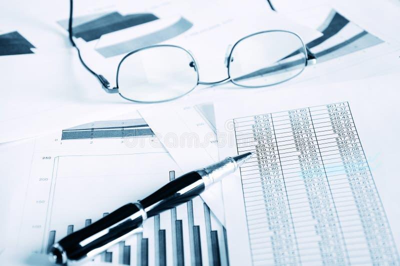 Zaken en de financiële rapporten stock foto's