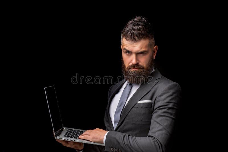 Zaken, exemplaarruimte Bedrijfs mens met laptop Zakenman met notitieboekje Internet-het werk technologie Zaken binnen stock foto's