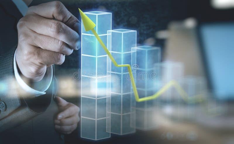 Zaken van de de aanrakings 3d virtuele grafiek van de zakenmanhand royalty-vrije stock fotografie