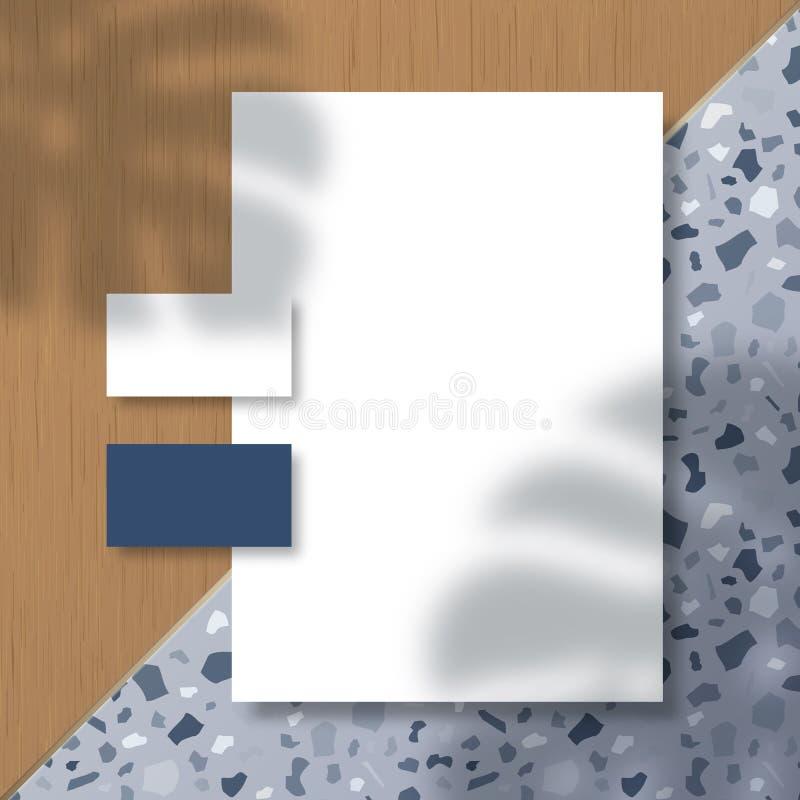 Zakenkaarten en Letterhead op Terrazzo Pattern and Wood Tiles Background met een Monstera Palm Leaves Shadow Overlay vector illustratie