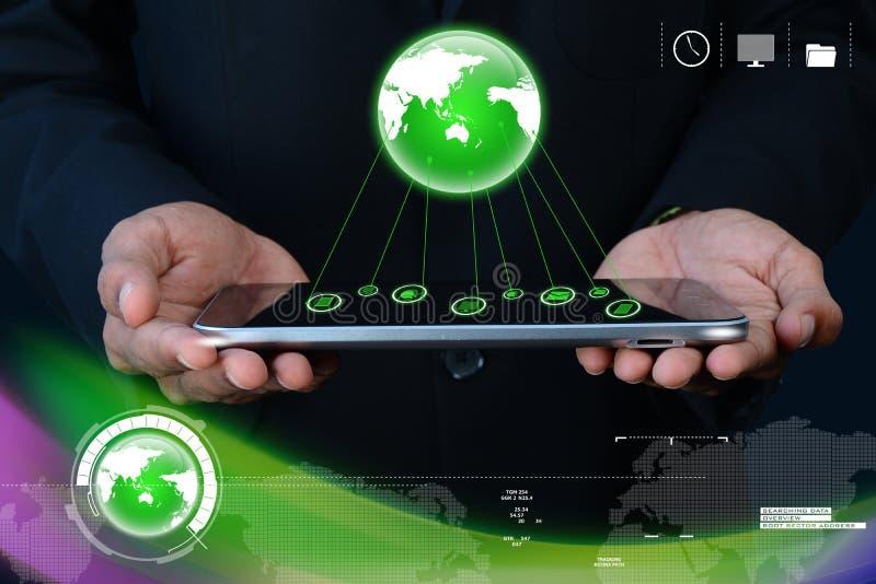 Zakenman die tablet met globaal voorzien van een netwerk tonen stock illustratie