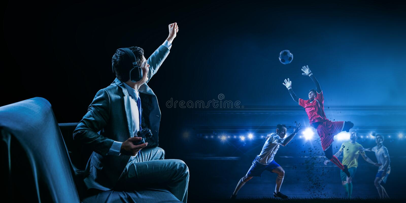 Zakenman het spelen voetbalvideospelletje royalty-vrije stock foto's