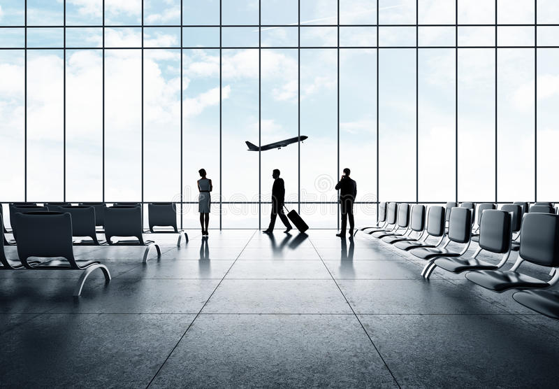 Zakenman in luchthaven royalty-vrije stock foto's