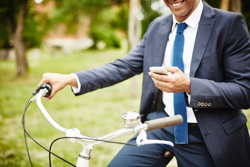 Zakenman met fiets royalty-vrije stock foto's