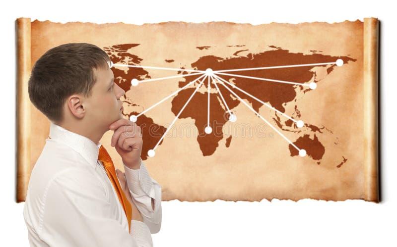 Zakenman met wereldkaart royalty-vrije stock afbeelding