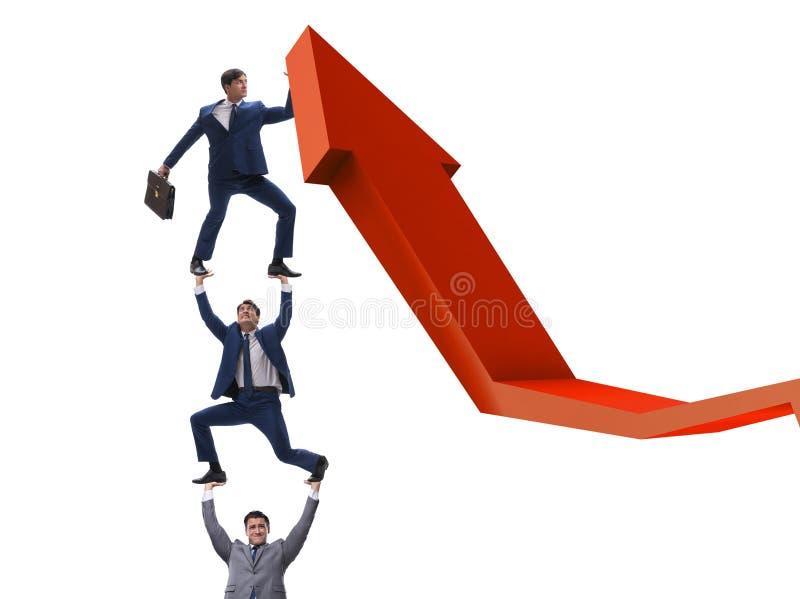 Zakenman ondersteunend growtn in economie op grafiekgrafiek stock foto