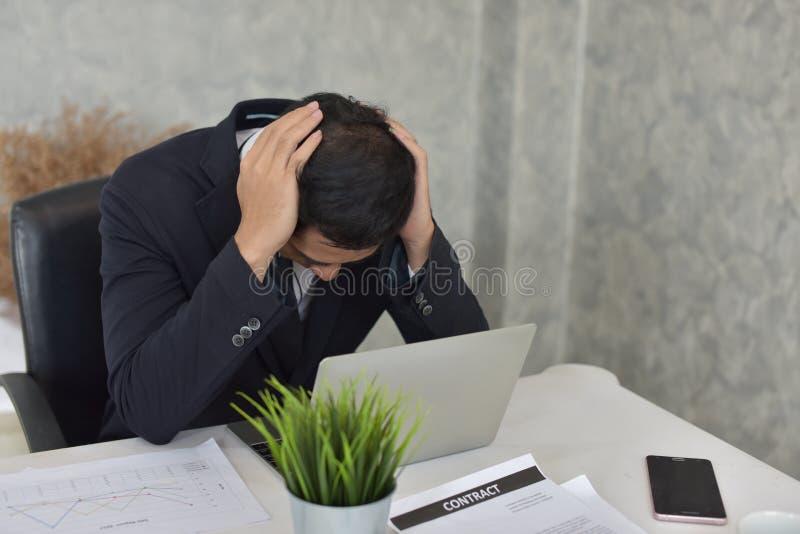 Zakenman Stress van het problematische werk royalty-vrije stock afbeeldingen