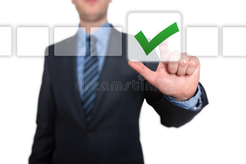 Zakenman Touching Button en Groene Tikkende Controledoos royalty-vrije stock fotografie