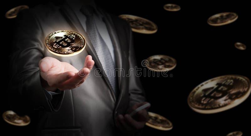 Zakenmangreep bitcoin, crypto munt conceptuele, nieuwe soorten stock foto's