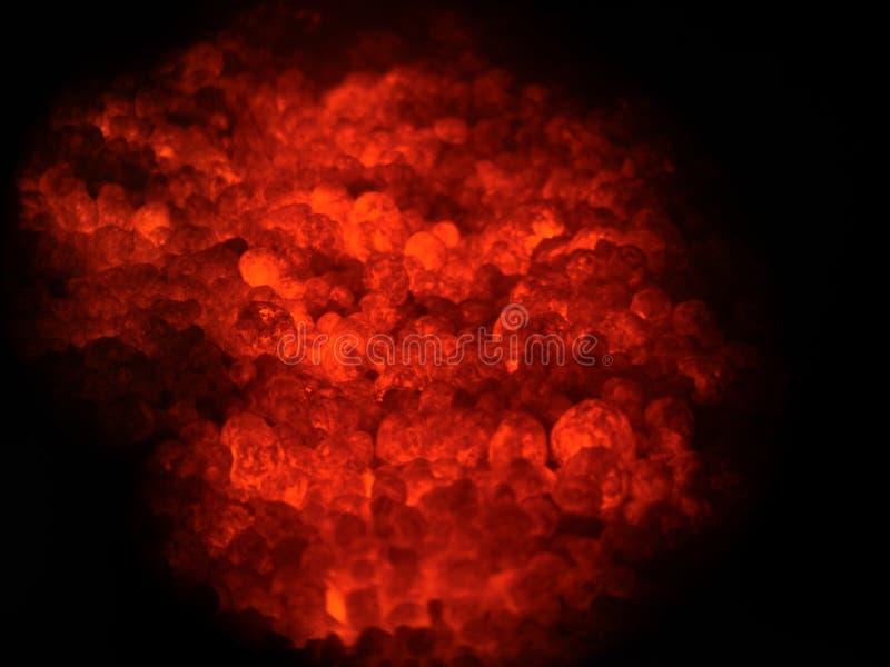 Zakończenie cementowy proces produkcyjny jako tło Rozjarzona płonąca gorąca mikstura klinkier i gips zdjęcie stock