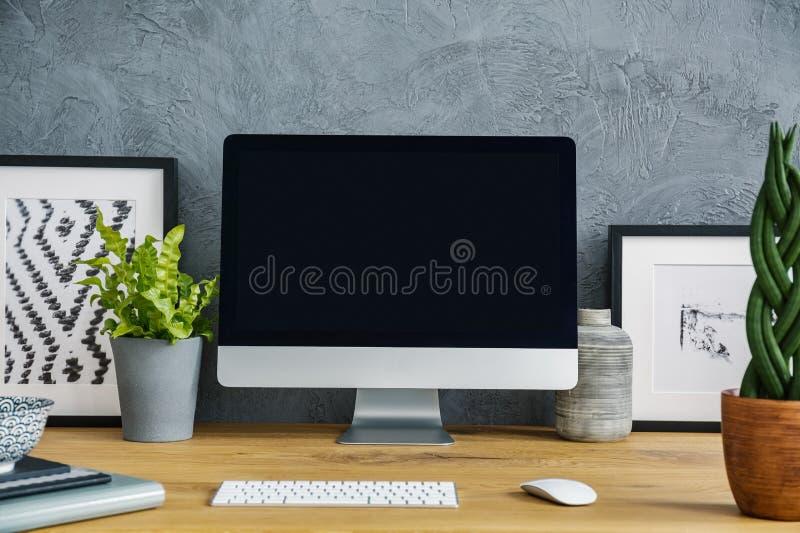 Zakończenie czerń, pusty ekran, rośliny, klawiatura i obraz, obrazy stock