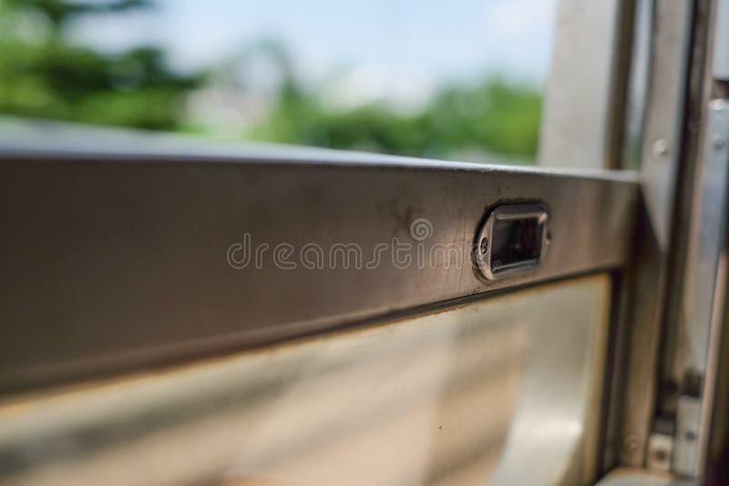 Zakończenie metalu okno fotografia stock