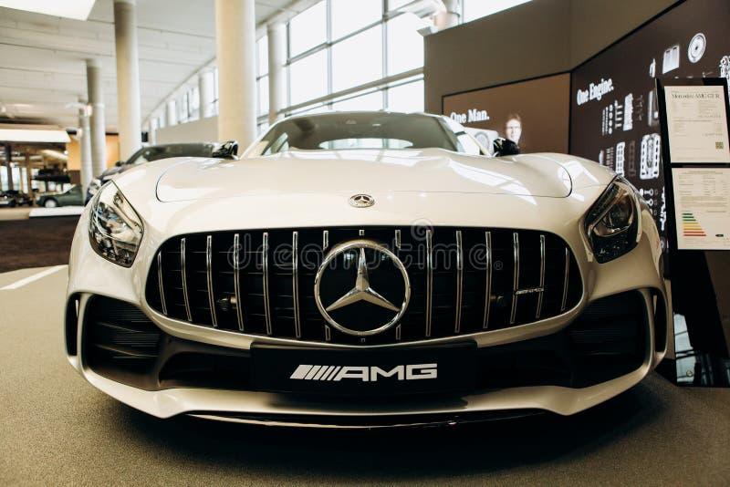 Zakończenie nowy biały Mercedes-Benz AMG GT zdjęcie stock