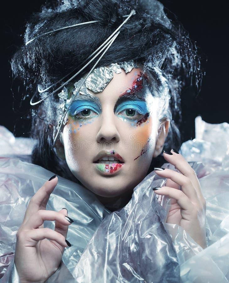 Zakończenie piękna kobiety twarz z kreatywnie mody sztuką robi zdjęcia royalty free