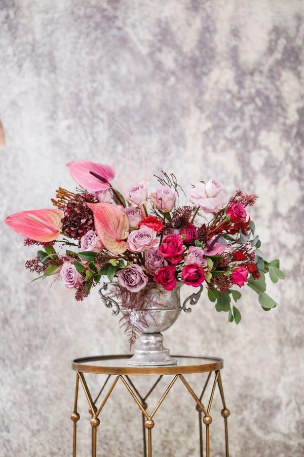 Zakończenie Piękny bukiet świezi kwiaty zdjęcie royalty free