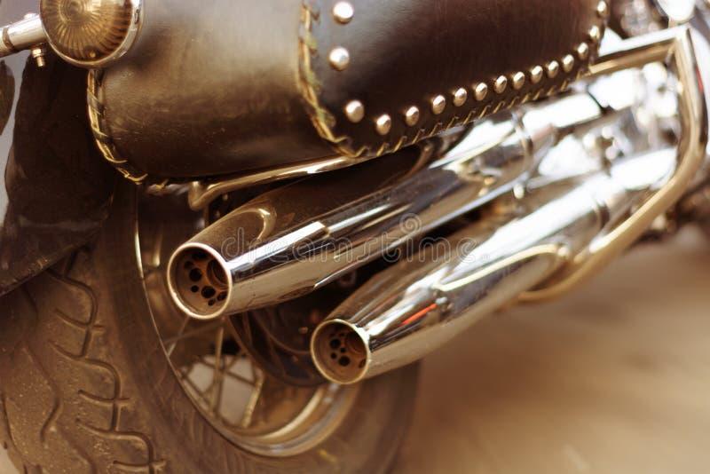 Zakończenie plecy motocykl wydmuchowa drymba fotografia stock