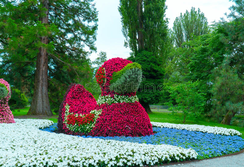 Zakończenie postać kaczki robić od kwiatów zdjęcia stock