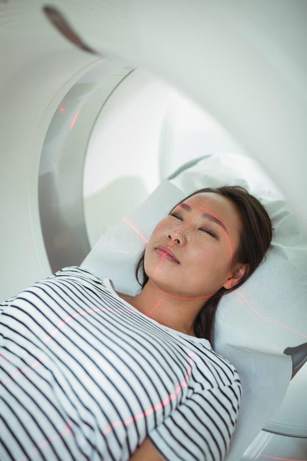 Zakończenie przechodzi CT obrazu cyfrowego test pacjent fotografia royalty free